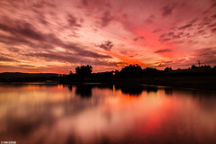 Sunset Reflection on Lake illawarra (Taha Elraaid) Tags: sunset lake seascape reflection photography adobe nsw 40 wollongong lightroom libyan illawarra lakeillawarra austraia nd8 watescape  tahaelraaid