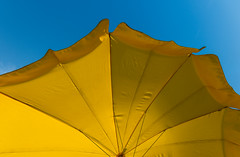 Lemon (Philipp Klinger Photography) Tags: lemon umbrella yellow blue color colour colorful colourful sun sunny sky still life minimal minimalism nikon d800 nikon1635mmf4vr line lines geometry philipp klinger frankfurt am main frankfurtammain ffm hesse hessen germany deutschland