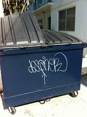 Desgner (LowStance) Tags: street art trash graffiti design hands miami tag graff southbeach 305 meanstreak desgn handstyle desgner