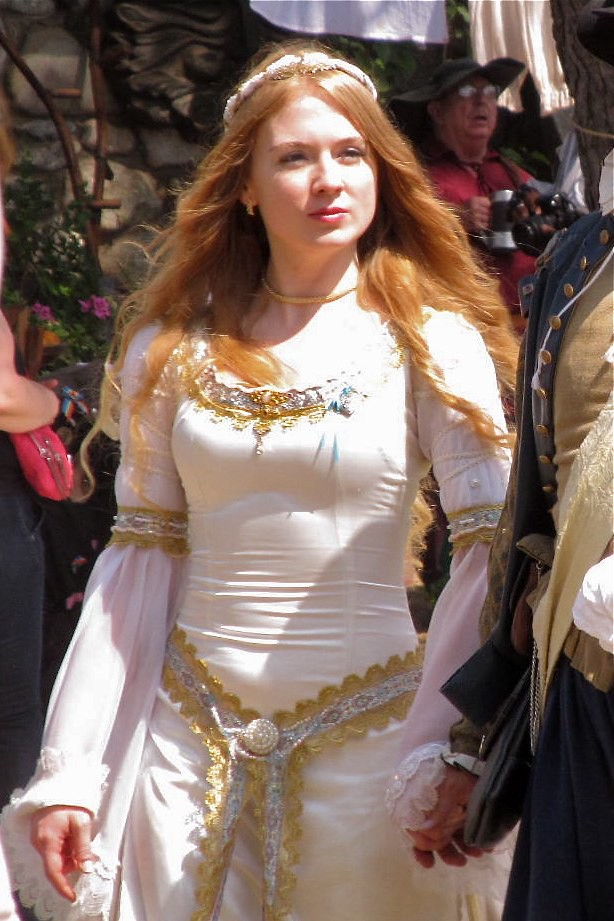 The worlds best photos of eilonwy flickr hive mind img2757 mauriceca tags white hair costume princess medieval faire southerncalifornia renaissance maiden redgold altavistaventures Image collections