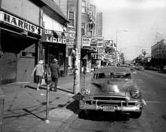 Mission district, San Francisco (Dave Glass . foto) Tags: sanfrancisco missiondistrict themission missionstreet themiraclemile lamission 1950chevrolet 1950chevroletwithvisor