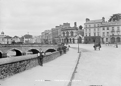 Trevor Hill, Newry (National Library of Ireland on The Commons) Tags: bridge ireland boy horse monument cityhall down parcels gaslamp northernireland courthouse mp cart eason ulster 1900s newry windowtax chancelloroftheexchequer kildarestreet trevorhill nationallibraryofireland newrycourthouse privycouncillor easoncollection riverclanrye isaaccorry lordhightreasurerofireland chancellorsroad easonandson