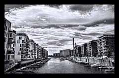 Westhafen FFM @ B&W (Markus Lenhart) Tags: white black photoshop am pentax frankfurt main 1750 tamron schwarz hdr markus k5 weis lenhart