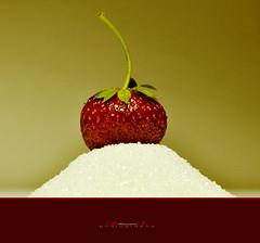 (aniribe) Tags: strawberry nikon creative flickrstruereflection1