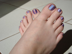 (Tellerite) Tags: feet toes barefeet pedicure beautifulfeet prettytoes sexytoes toenailpolish sweetfeet prettyfeet sexyfeet girlsfeet femalefeet teenfeet femaletoes candidfeet beautifultoes baretoes girlstoes sweettoes girlsbarefeet purpletoenailpolish teentoes girlsbarefoot youngfemalefeet candidtoes youngfemaletoes