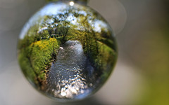 Die Wurm in Geilenkirchen (Andy von der Wurm) Tags: nature reflections river germany deutschland photography stream europa europe published bokeh outdoor alemania nrw fluss allemagne nordrheinwestfalen crystalball reflektionen wurm northrhinewestfalia flus geilenkirchen verffentlicht kreisheinsberg aachenerzeitung veroeffentlicht lokalteil glaskugelfotografie geilenkirchenenzeitung