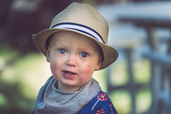 DSC_1546 (JohnPylad) Tags: portrait barn vintage children fx 70200 lightroom f40 70200mm portrtt childrenportrait barnfoto naturallightportrait nikond610 nikon70200mmf4vrii