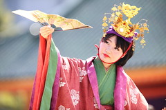 (Teruhide Tomori) Tags: portrait festival japan lady dance kyoto stage performance event   tradition japon    heianjingushrine