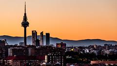 El Pirul (Juaberna) Tags: madrid sunset sol skyline de cuatro nikon el sp televisin antena 70300mm tamron citylandscape puesta vc usd torres crepsculo pirul d610