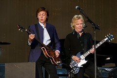 Paul McCartney & Brian Ray #1 (NM_Pics) Tags: munich mnchen paul beatles olympicstadium mccartney paulmccartney olympiastadion oneonone