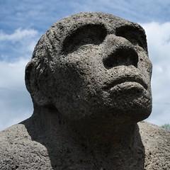 neanderthaler_Veringenstadt_01 (haraldhermann712) Tags: statue alb neandertaler veringenstadt
