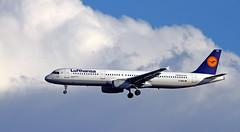 Lufthansa / Airbus A321-131 / D-AIRS (vic_206) Tags: clouds bcn nubes lufthansa lebl airbusa321131 dairs canon300f4lis canoneos7d