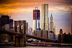 New York City - Construction of the new WTC (One World Trade Center (1 WTC)) or Freedom Tower (tower 1) 9/11 (Zeeyolq Photography) Tags: world city nyc newyorkcity sunset usa newyork monument brooklyn am