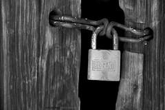 Detail on Rebeiquitos door. (Ana Encinas.) Tags: door wood old bw sonora mxico puerta madera lock antique bn chain mexique viejo antiguo sargent cadena messico candado rebeico