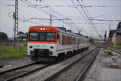 FGC por los Madriles (Pasku Fuenla) Tags: madrid espaa trenes spain md nikon industrial trains superman rails estacin getafe renfe 592 pasajeros automotor regionales operadora fgf pasku fuenla disel d3000