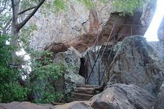 Stairs to Mihindu Guhawa (Hasitha Rangana) Tags: temple buddhisttemple sacredsite anuradhapura anuradapura sagiri mihinthale segiri missaka cetiyagiri solosmasthana missakapabbata missakapawwa missakapavva