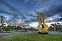 Juriquilla, Quertaro (Gas Ton) Tags: sculpture canon mexico 60s queretaro efs 1022mm juriquilla