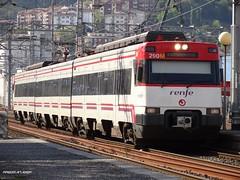 447 (firedmanager) Tags: train tren cercanías passengers caf commutertrain renfe pasaia pasajeros adif renfeoperadora