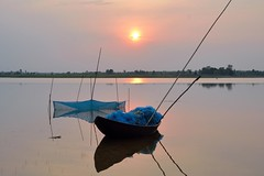 The color of sunset! (draskd) Tags: sunset water landscape evening boat fishing fishermen fishnet waterscape nikondslr nikond7100