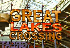 Great Lakes Crossing sign (Nicholas Eckhart) Tags: usa sign retail mi america mall us interior auburn hills massive stores outlets greatlakescrossing outletmall 2016