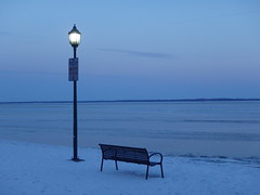 Cold & Lonely Bench - (ikan1711) Tags: snow cold ice lamp westisland bench lampost lakeshore frozenlake icylake snowscenes stuarthall lakestlouis lacstlouis lakeshoreroad iceandsnow lonelybench westislandofmontreal montreaslqc