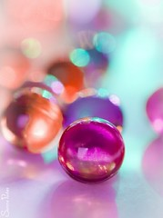 20120304_30876b (Fantasyfan.) Tags: macro water topv111 closeup topv555 topv333 colorful bokeh fantasyfanin bathpearl siirretty