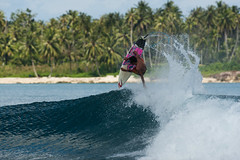 Putra punts over Roxies (Rip Curl) Tags: sumatra indonesia surf surfing mentawais padang roxies macaronis gobleg indiesexplorer ripcurlpromentawai ripcurlmacaronis garutwidiarta