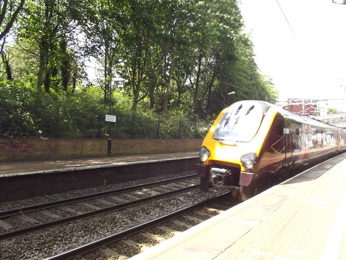Smethwick Rolfe Street Station - Cross Country Trains - Class 220