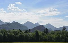 Mountains (Kalusija) Tags: sky mountains nature berg clouds alpes scenery cloudy outdoor natur himmel wolke wolken sunny alpen sonnig landschaft fssen wolkig hgel alpenvorland bergspitze