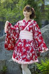 Akai Hana (gxle) Tags: red flower crimson canon helsinki hana yukata sakura kimono hanami puisto puutarha 2016 roihuvuori 600d kirsikka japanilainen kirsikkapuisto rebelt3i 2k16