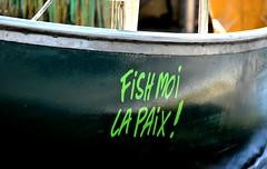 Fish moi la paix ! (Diegojack) Tags: nikon humour bateau insolite pcheurs tolochenaz nom nikonpassion d7200