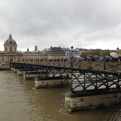 Pont des Arts (old) (Maril_) Tags: old bridge november autumn paris france rain river locks sena
