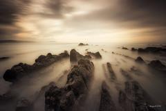 Sunset lines (El color del cristal) Tags: longexposure light sunset sea sky seascape luz clouds landscape atardecer mar agua rocks paisaje cielo nubes rocas barrika largaexposicin