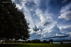 Cu perto do lago / Sky near Lake (Rodrigo Jorge Photo) Tags: brazil landscape photography df loneliness time streetphotography sideview typing brasilia urbanphotography fullbody stilllifephotography