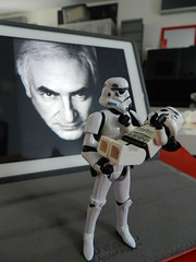 Don't be affraid... (Tony DZ) Tags: white storm trooper toy actionfigure star starwars war dad geek lego action stormtroopers troopers empire figure stormtrooper wars minifig figurine blanc episode jouet hasbro obscure dsk ipad lifeonthedeathstar