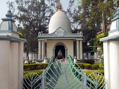 Shrine dedicated to Rani Rasmani (RajendraHere) Tags: india shrine kolkata dakshineswar ranirasmoni