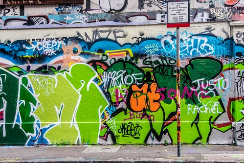 Street Art & Graffiti - Windmill Lane (Dublin)
