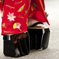 Oiran Dochu -  (ajpscs) Tags: tokyo japan ajpscs nippon  japanese   nikon d300  asakusa ichiyozakurakomatsubashi dori  oirandouchu  ichiyouzakuramatsuri festival matsuri parade procession oiran  tayuu   yjo  highclass courtesan prostitute edo16001868 yoshiwarapleasure entertainer patronise geta komageta mitsuashi sanmaibageta skill hachimoji hairstyle obi pins combs kimono complex servants edo yoshiwara courtesan    10