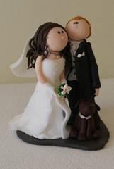 Brautpaar mit Hund (Ssses Atelier) Tags: cake handmade fimo caketopper torte tortenfiguren tortendekoration fionaundjonas personalisiertetortenfiguren brautpaarfrtorte