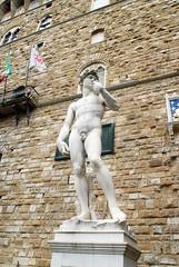 Firenze Piazza Della Signoria David (Copy) (fotofrysk) Tags: italy holiday david statue florence tuscany firenze toscana copy piazzadellasignoria palazzovecchio nikond200 april2012