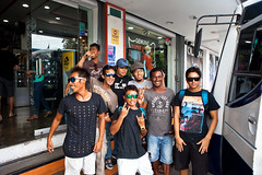 We picked up Mega at the surf shop in Padang (Rip Curl) Tags: sumatra indonesia surf surfing mentawais padang roxies macaronis gobleg indiesexplorer ripcurlpromentawai ripcurlmacaronis garutwidiarta