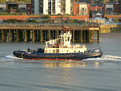 Svitzer Cecilia @ Gallions Reach 29-09-09 (AJBC_1) Tags: uk england london boat ship unitedkingdom vessel tugboat tug riverthames eastlondon gallionsreach northwoolwich newham svitzer ajc dlrblog ajc