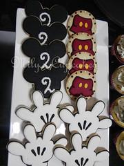Tematica Mickey para Santino (Mily'sCupcakes) Tags: argentina cake buenosaires cookie disney cupcake mickeycake milyscupcakes