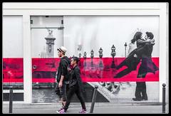 Couple de couple (Maestr!0_0!) Tags: street urban paris color love rouge candid rue couleur urbain