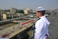 160506-N-YL053-181 (Commander, U.S. 7th Fleet) Tags: china shanghai admiral usnavy underway flagship 7thfleet lcc19 ussblueridge