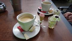 We just ordered a coffee (Mado46) Tags: netherlands coffee caf nederland kaffee fietstocht radtour niederlande kahvi 111v1f bxl06 mado46