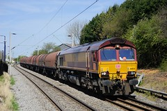66-031-6E08-Coseley-5-5-2016 - (D1021) Tags: steel shed westmidlands coseley dbs class66 ews 66031 d700 nikond700 dbschenker 6e09 coseleystation