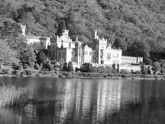 CHATEAU KYLEMORE CONNEMARA IRLANDE (Marie-Laure L) Tags: connemara chateau irlande kylemore