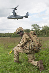 Joint UK, US Exercise on Isle of Wight (HAC Army Reserves) Tags: uk england usa max ex army us photographer exercise aircraft air horizon company bryan artillery british usaf isle osprey forces wight cpl corporal gbr hac vambrace honourabe