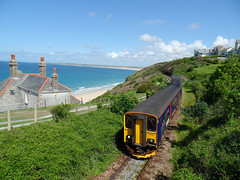 153318 & 150261 Carbis Bay (Marky7890) Tags: train cornwall railway gwr sprinter dmu carbisbay class153 fgw class150 stivesbayline 153318 150261 2a29